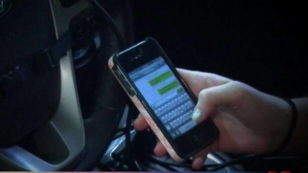 [TLMD - AZ] Aprueban propuesta que sanciona uso de teléfono al volante