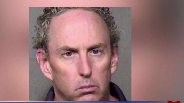 [TLMD - AZ] Arrestan a empleado de DPS acusado de robo
