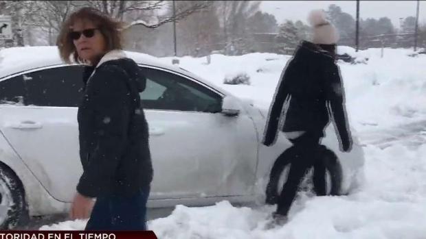 [TLMD - AZ] En video: así enfrentan la tormenta invernal en Flagstaff