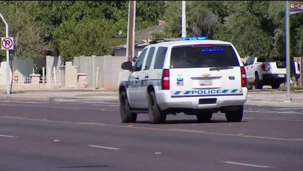 [TLMD - AZ] Policía: conductor atropella a mujer en silla de ruedas y huye