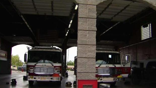 [TLMD - AZ] Dejan a bebé en estación de bomberos