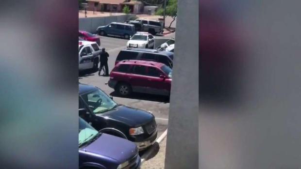 [TLMD - AZ] Despiden a policías de Phoenix tras investigación interna