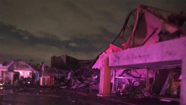 FOTOS: Tornado causa múltiples destrozos en Dallas