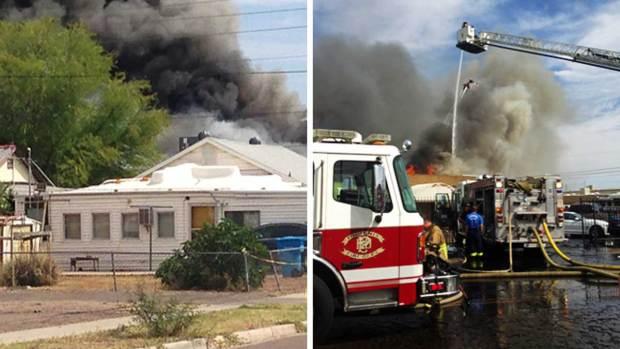 Fotos: Fuerte incendio causa caos en el área de Phoenix