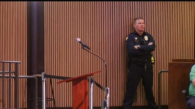 [TLMD - AZ] Grupos defienden a la policía de Phoenix