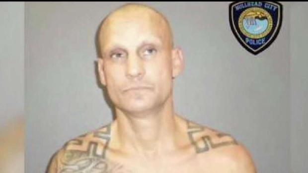 [TLMD - AZ] Hombre acusado de apuñalar a su madre