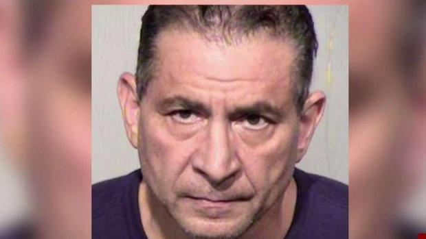 [TLMD - AZ] Hombre acusado de tener relaciones con menor en centro comercial