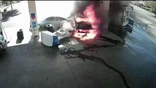 [TLMD - AZ] Imágenes explosivas de accidente en gasolinera