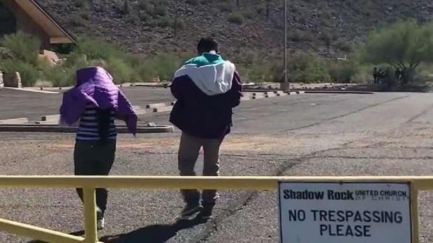 Inmigrantes encuentran refugio en iglesia de Phoenix