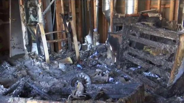 [TLMD - AZ] Madre de familia y su hija lo pierden todo en incendio