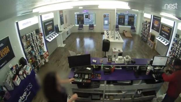 Robo a tienda de celulares en Chandler