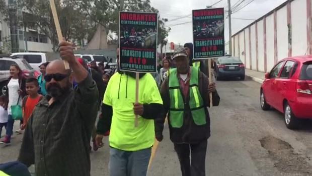 [TLMD - AZ] Migrantes llegan a la frontera con Estados Unidos