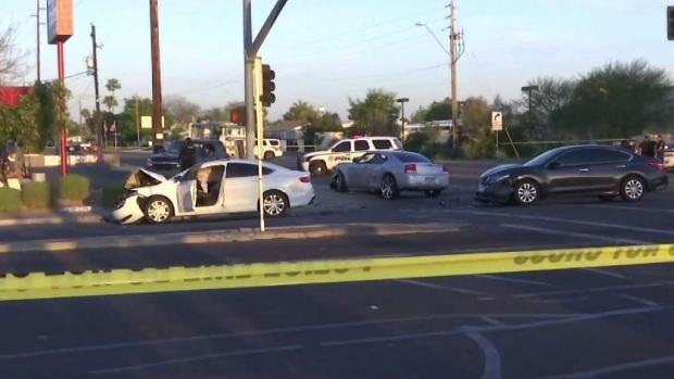 [TLMD - AZ] Oficial de Glendale involucrado en accidente