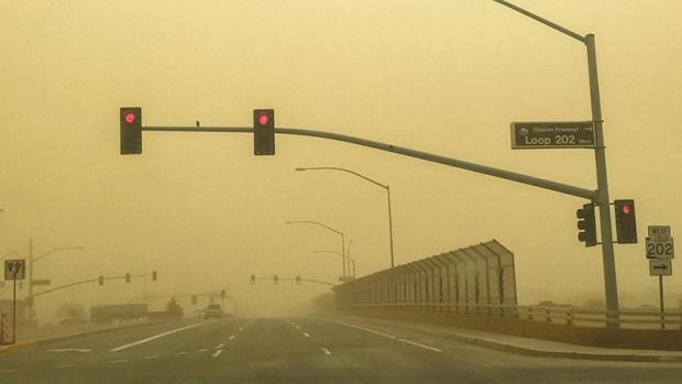 Fotos: Así se vivió la tormenta de arena en el Valle