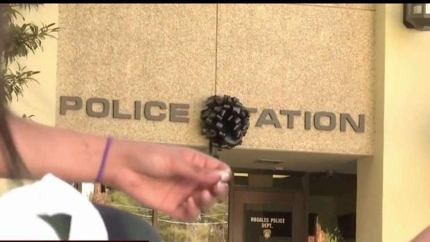 [TLMD - AZ] Recuerdan a policía baleado en Nogales con vigilia