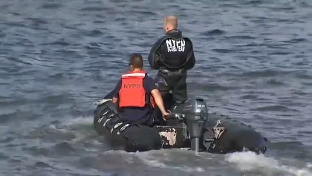 Buscan a padre que habría lanzado a su hijo al East River