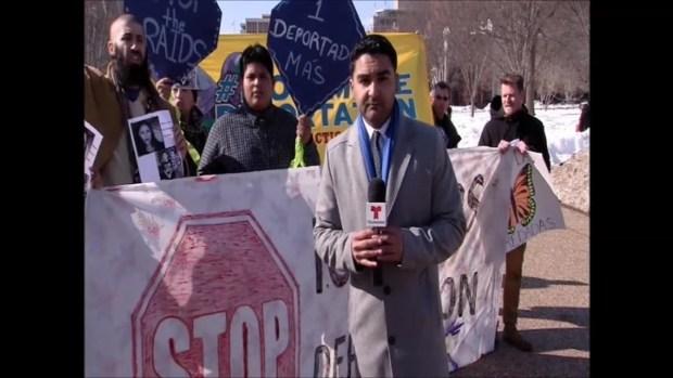 Frente a la Casa Blanca protestan contra deportaciones