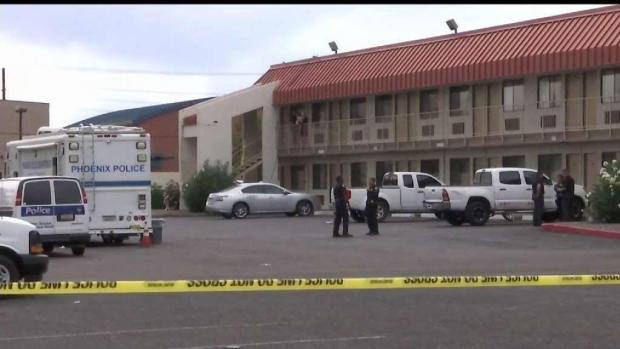 [TLMD - AZ] Tiroteo en motel al norte de Phoenix deja un herido