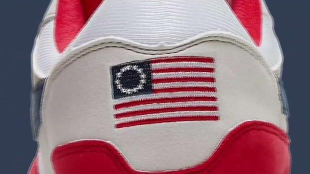 [TLMD - AZ] Zapatos de Nike causan controversia en Goodyear