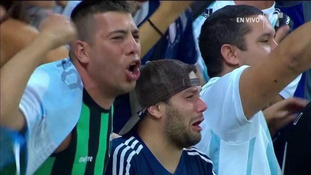 [Copa America -PUBLICADO] Fan de Argentina rompe en llanto al interpretar su himno en el Mineirao