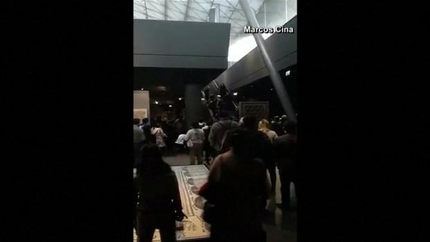 Así vivieron turistas en el Louvre el atentado en París