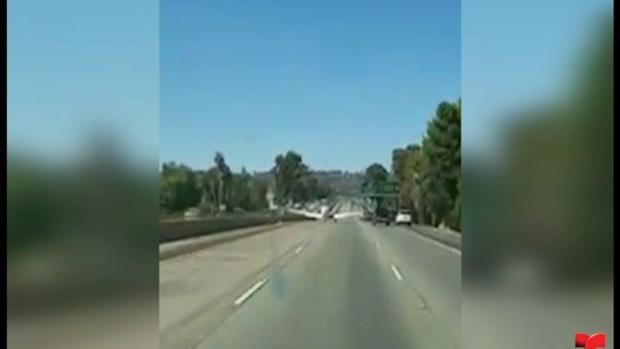 [TLMD - LV] Avioneta aterriza en carretera de California