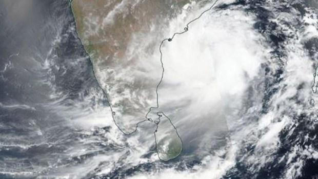 Poderoso ciclón castiga la India