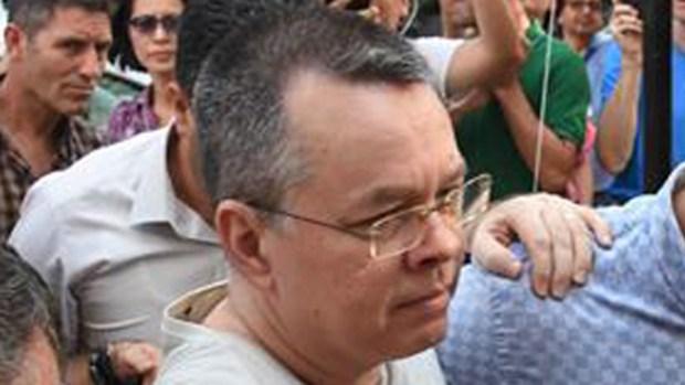 Balazos, crisis diplomática y el pastor evangélico de EEUU bajo arresto