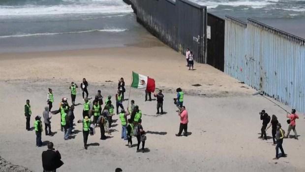[TLMD - LV] Activistas mexicanos protestan contra el muro fronterizo