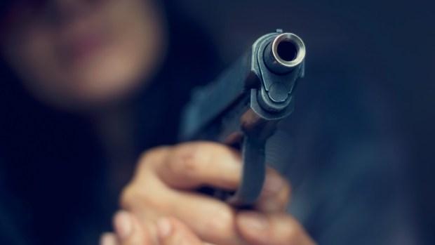 Qué hacer si te enfrentas a un pistolero