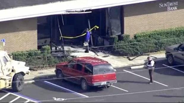Al menos 5 muertos tras tiroteo en banco de Florida