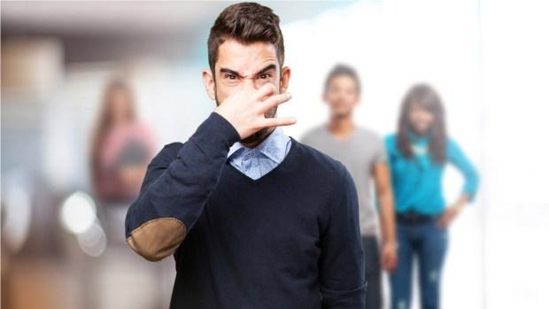 """[TLMD - LV] Demanda a jefe por supuesto """"acoso oloroso"""""""