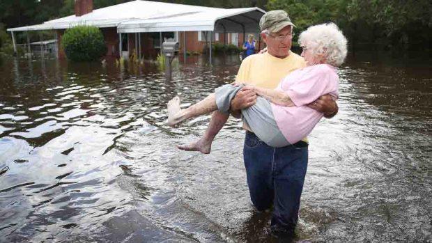 Reporte: de qué muere la gente después del paso de un huracán