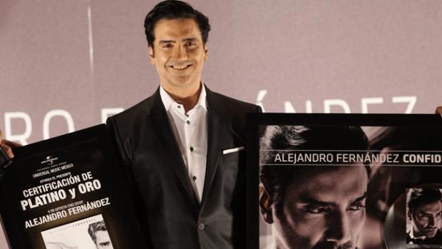Video: El preocupante look de Alejandro Fernández