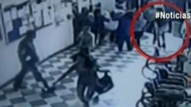 Video: Balas entre ladrones y policía en hospital