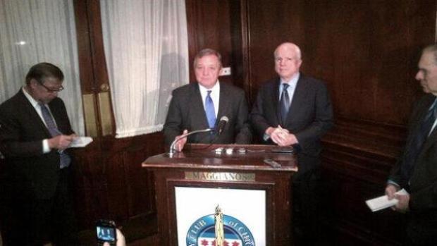 Video: McCain: Reforma migratoria es clave