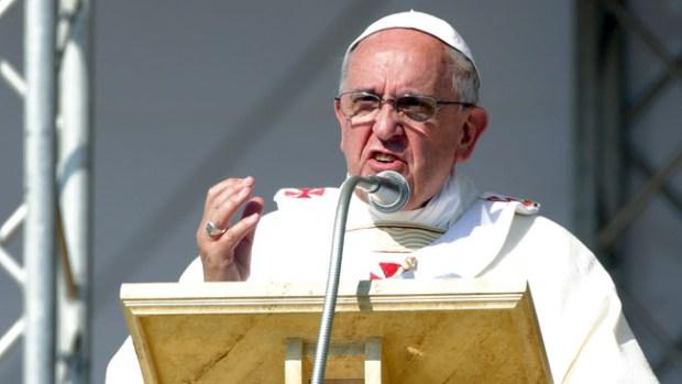 Video: Mueren 3 familiares del Papa en accidente