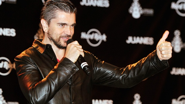 Video: Juanes y Hard Rock en benéfica unión