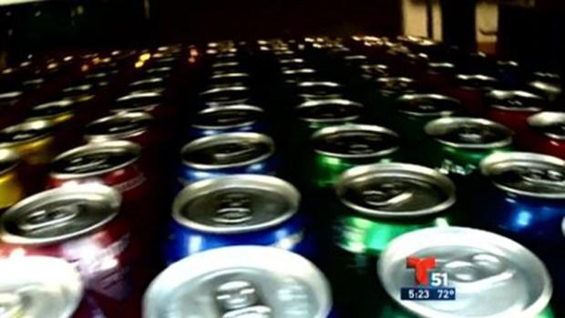 Video: Sorpresa en lata: alerta con lo que bebe
