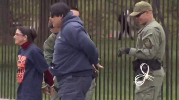 Video: Manifestación termina en varios arrestos
