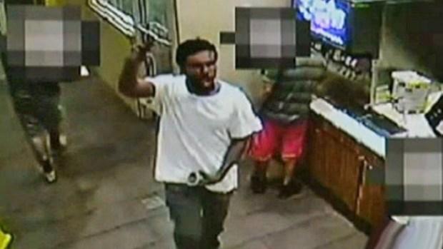 Video: Un arma defectuosa evita masacre