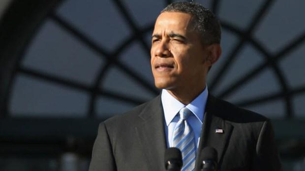 Video: Obama le tiene miedo a robot futbolista