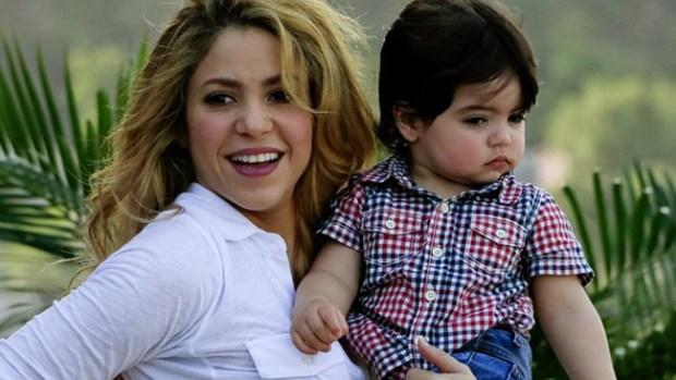 Video: Shakira por primera vez en Colombia con Milan