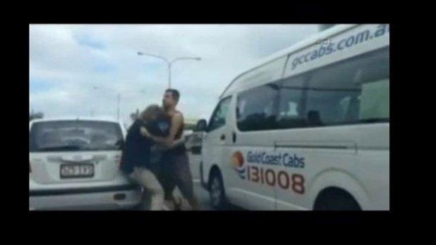 Video: Casi se matan en pleno semáforo