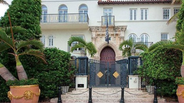 Video: Pagan $45 millones por mansión Versace