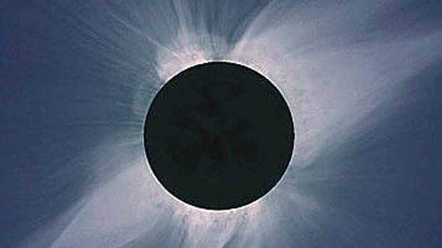Qué es un eclipse y cuántos tipos existen