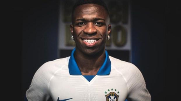 [TLMD - LV] Vinicius Jr. presenta la camiseta blanca de Brasil