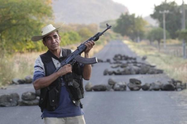Video: Autodefensas en México celebran éxitos
