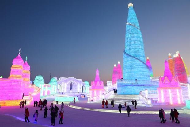 Gigantes de hielo espectacular festival de esculturas a-22 grados