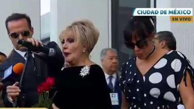 """Ex de José José al recibir sus cenizas: """"es un sueño hecho realidad"""""""